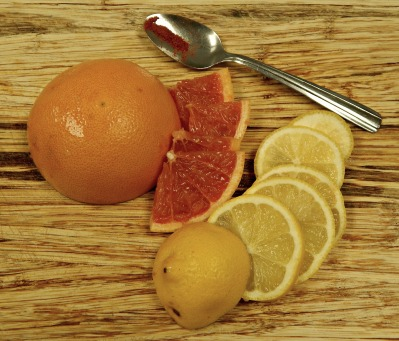 grapefruit pieces, sliced lemon and cayenne pepper